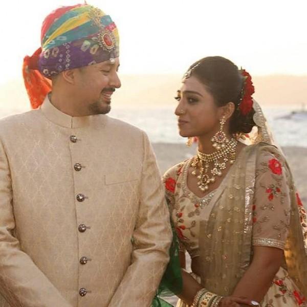 Индийская свадьба: Состоялась помолвка принцессы из королевской семьи Рева engagement-10-eng-couple