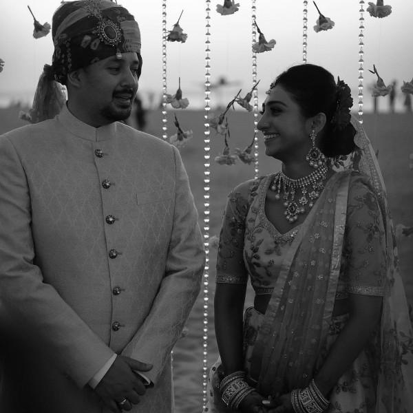 Индийская свадьба: Состоялась помолвка принцессы из королевской семьи Рева engagement-04-eng-couple