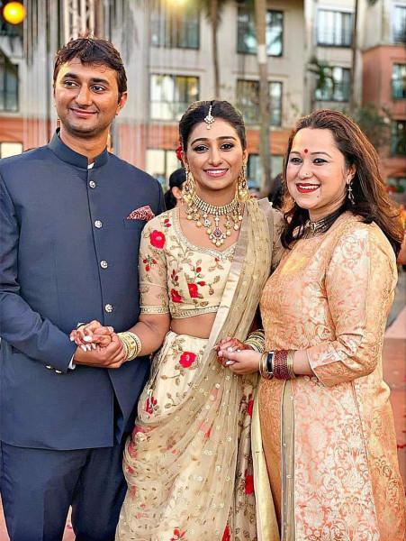 Индийская свадьба: Состоялась помолвка принцессы из королевской семьи Рева engagement-01-bro+SiL