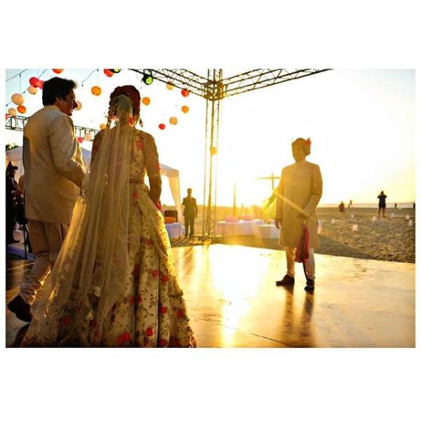 Индийская свадьба: Состоялась помолвка принцессы из королевской семьи Рева engagement-20-bride+father