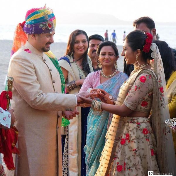Индийская свадьба: Состоялась помолвка принцессы из королевской семьи Рева engagement-11-rings-exchang
