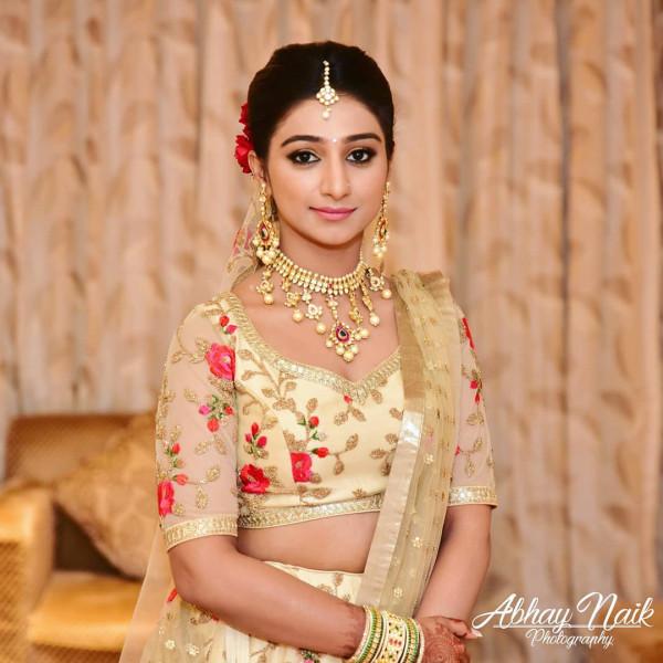 Индийская свадьба: Состоялась помолвка принцессы из королевской семьи Рева engagement-08-bride
