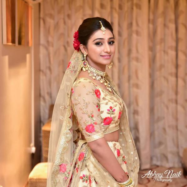 Индийская свадьба: Состоялась помолвка принцессы из королевской семьи Рева engagement-09-bride
