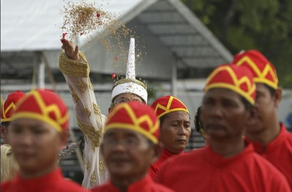 sacred oxen predict good harvest-06
