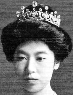 Meiji Scroll Tiara worn by Empress Teimei