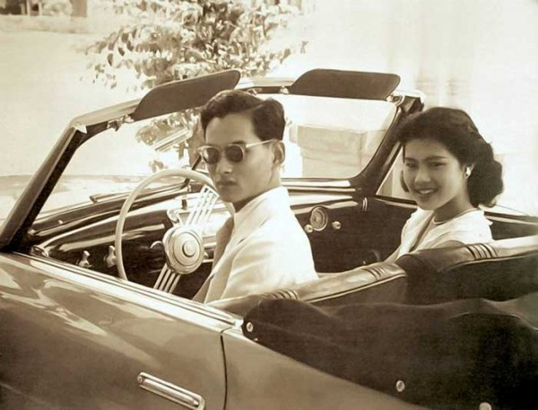 queen-sirikit-2