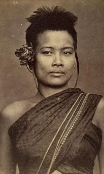 1896_A socially high ranking Siamese woman