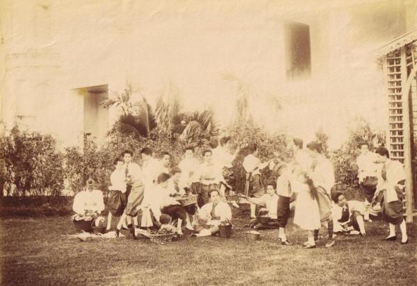1880_Queen's Court