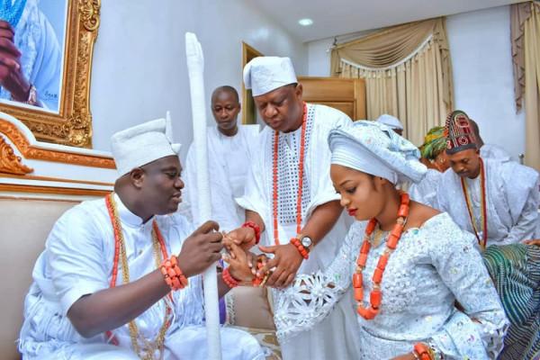 Q Silekunola Naomi Ogunwusi-10-engaged