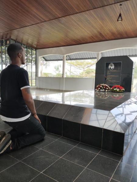 2020-07_Mwima royal mausoleum-03