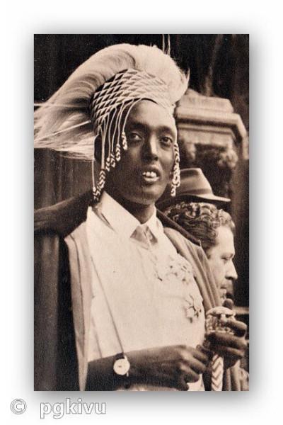 Tutsi_king_Mutara-02