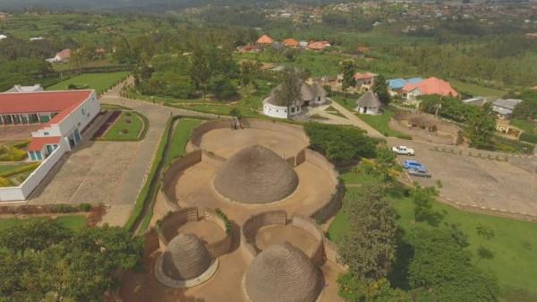 Tutsi_king_Mutara-13