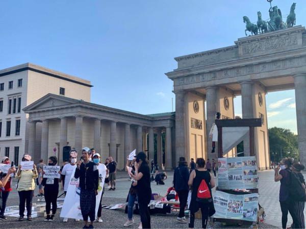 2020-07-28_протест-берлин-03