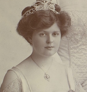 05_Lady Victoria Wynn-Carrington (later Lady Victoria Weld-Forester)