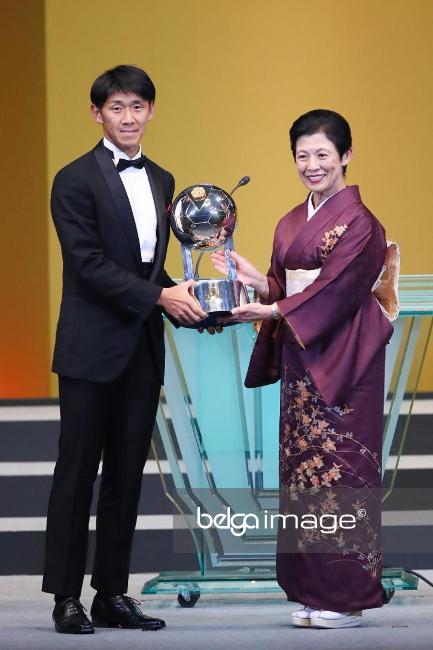 2017-12-05_Hiroki Mizumoto of Sanfrecce Hiroshima_Fair Play Award-01
