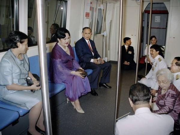 поездка в метро_King Bhumibol, Queen Sirikit and Princess Sirindhorn