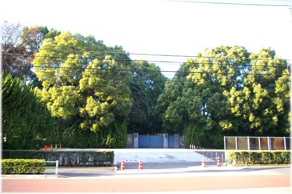 Takamatsu-no-miya_house_2006-4-21