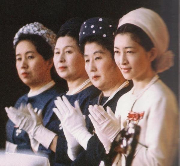 michiko-elder-princesses