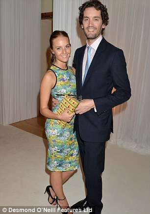32657D2700000578-3501908-The_pair_attend_a_dinner_hosted_by_Cartier_in_2014-a-5_1458518393795