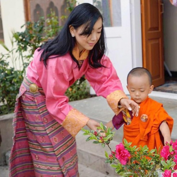 Племянник короля Бутана избран настоятелем монастыря