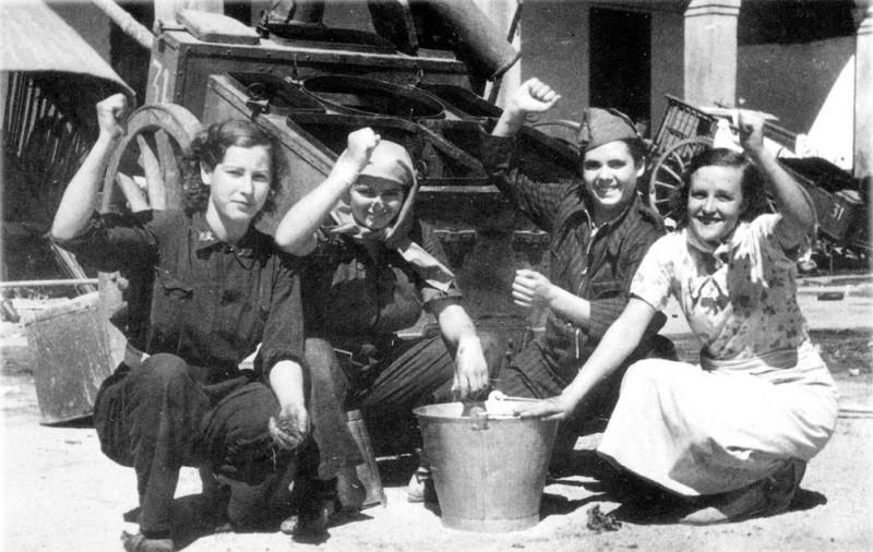 Militia Women during Spanish Civil War in the 1930s (12)
