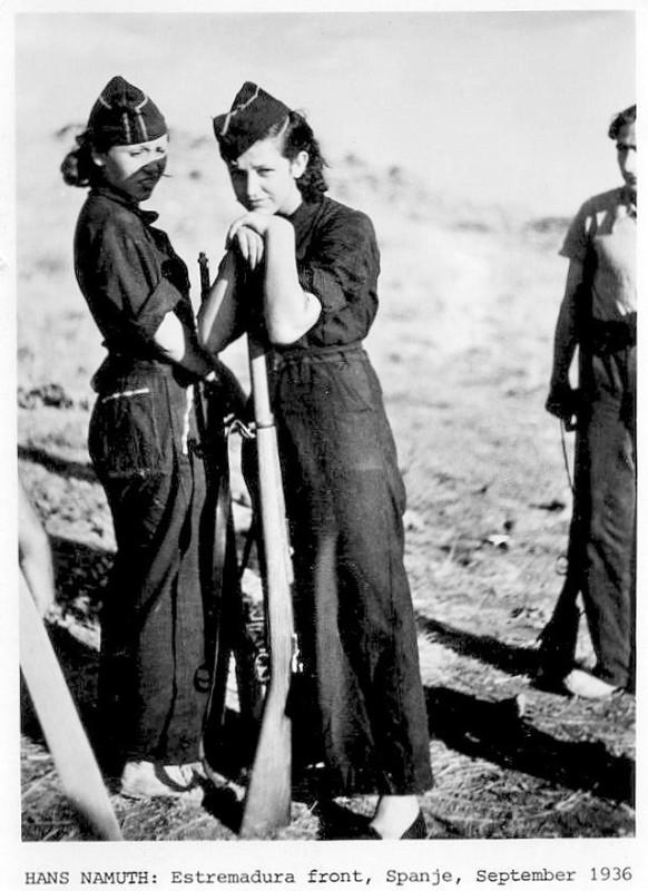 Militia Women during Spanish Civil War in the 1930s (14)
