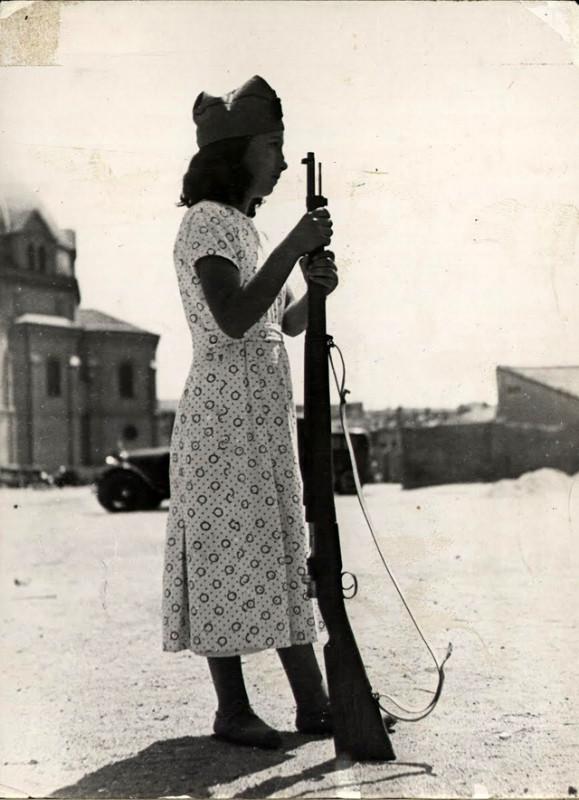 Militia Women during Spanish Civil War in the 1930s (17)