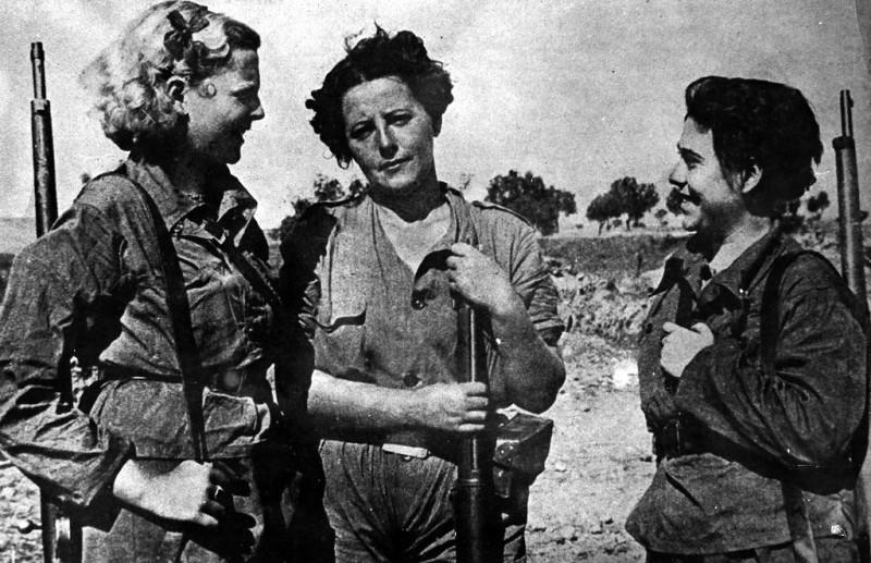 Militia Women during Spanish Civil War in the 1930s (21)