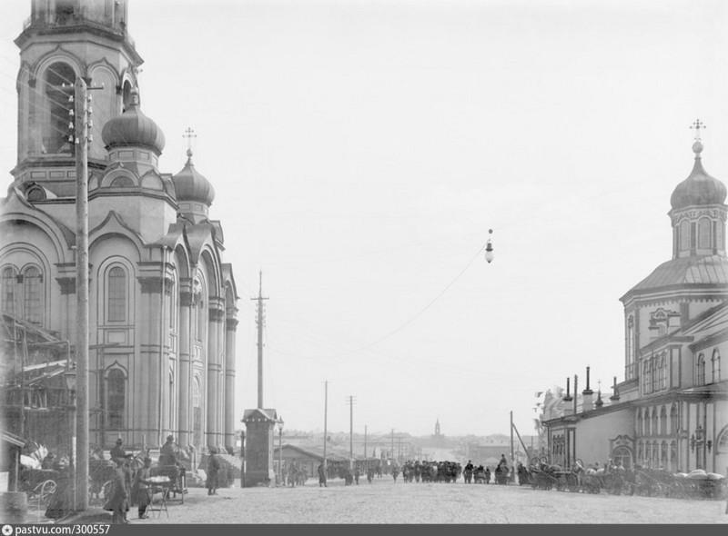 Вид на Покровский проспект