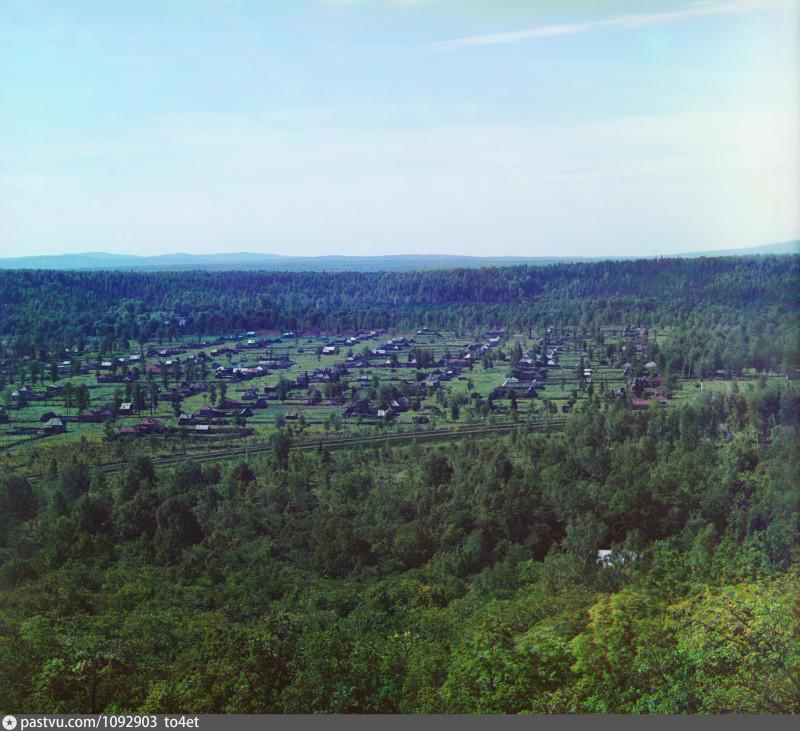 Долина реки Сим с Соколиной горы. У станции Аша-Балашевская