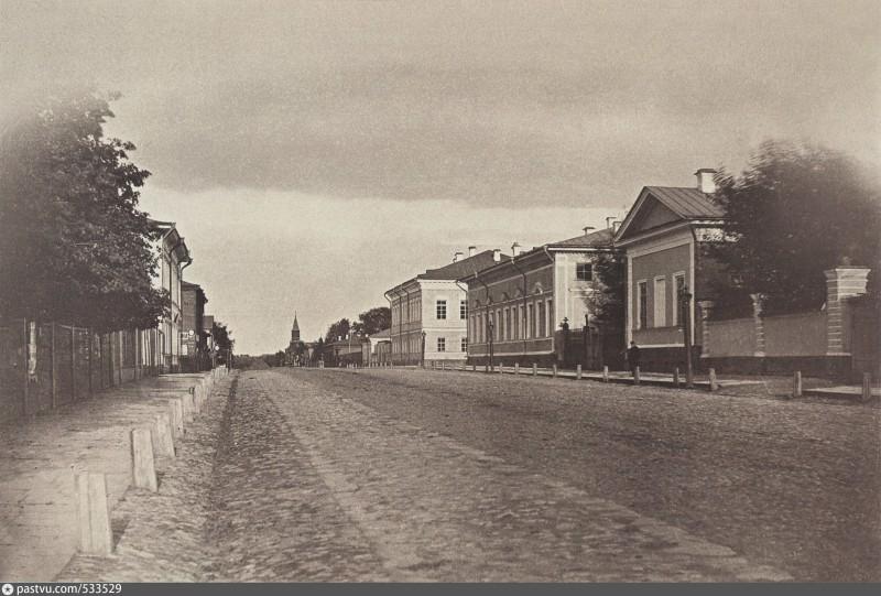 Панорама улицы Екатерининской. Дом губернатора