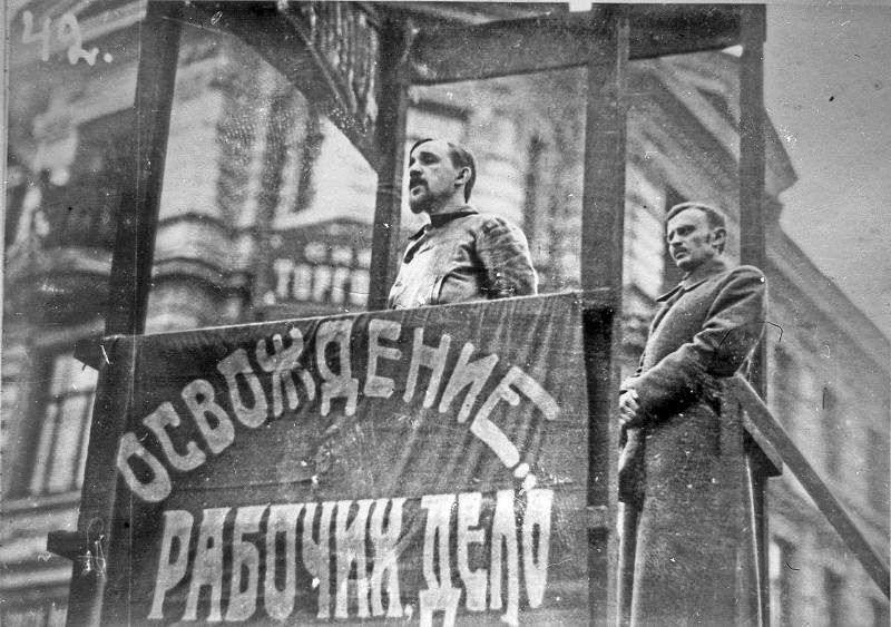 К.Ф.Пшеницын и И.П.Уборевич на митинге в честь освобождения Владивостока