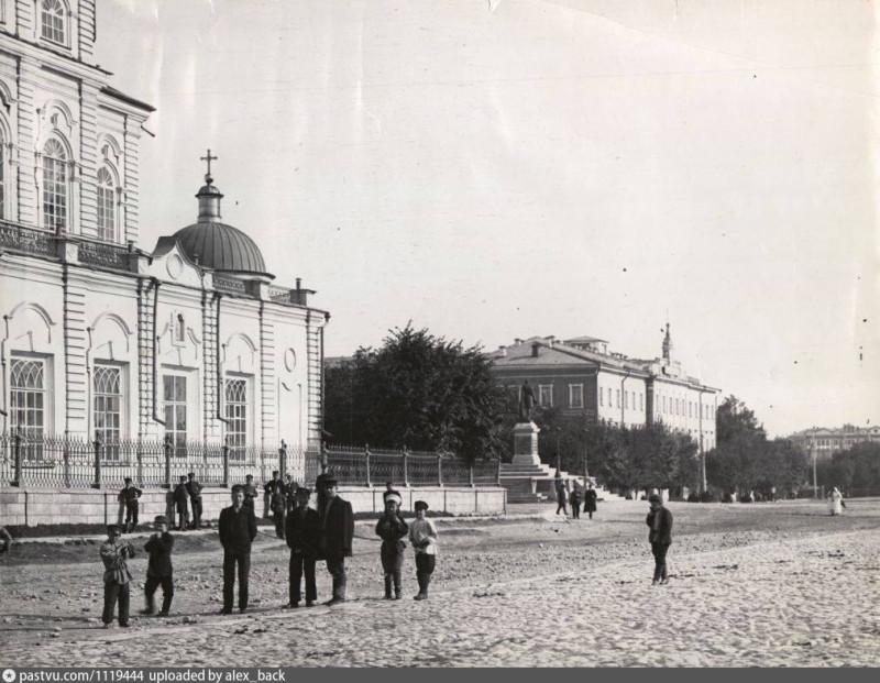 Кафедральная площадь Екатеринбурга