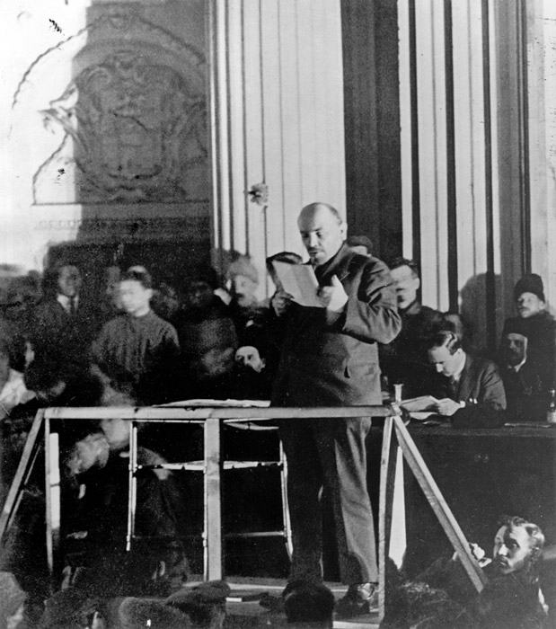 1921. Ленин выступает на X съезде РКП(б).: kpss_ru — LiveJournal
