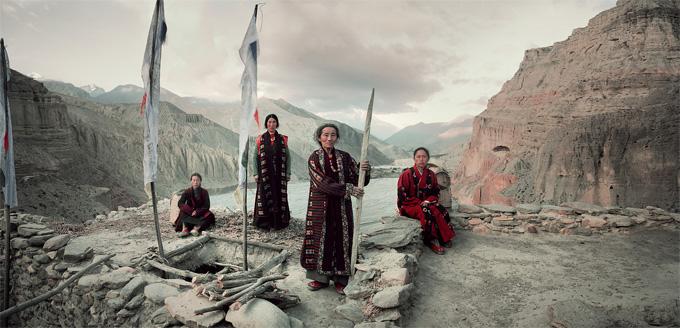 24 мустанг непал