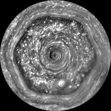 Шестиугольный шторм Сатурна