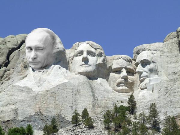 Почему тупой одноклеточный блоггер должен быть благодарен Путину?