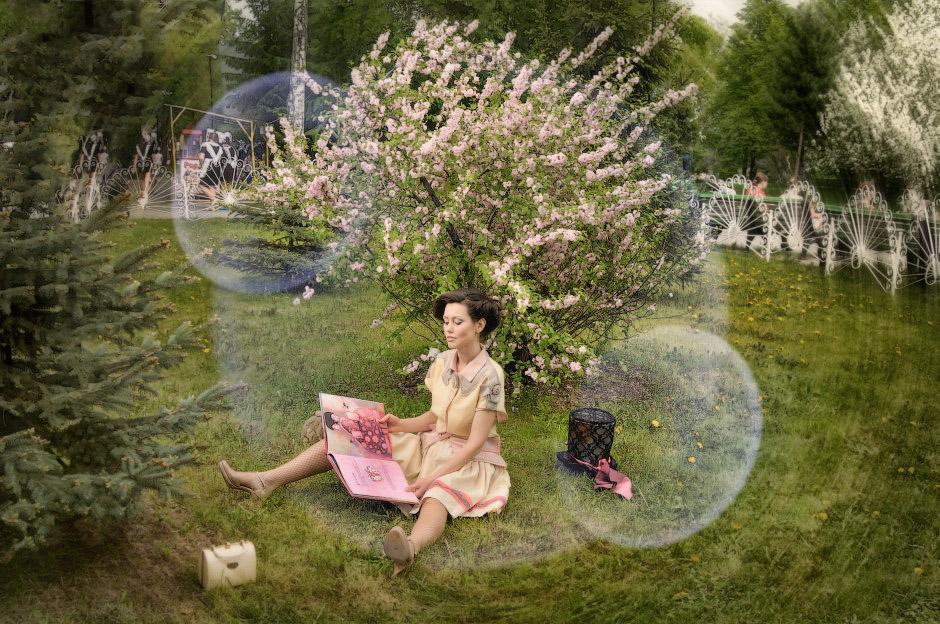 Алиса в стране чудес фотосет у сакуры