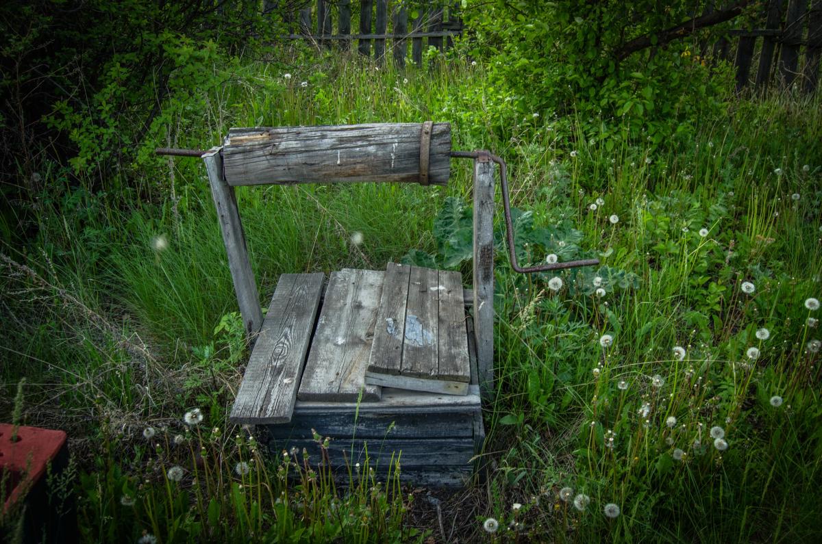 Картина найдена в заброшенном садовом домике - фотограф Челябинск5276