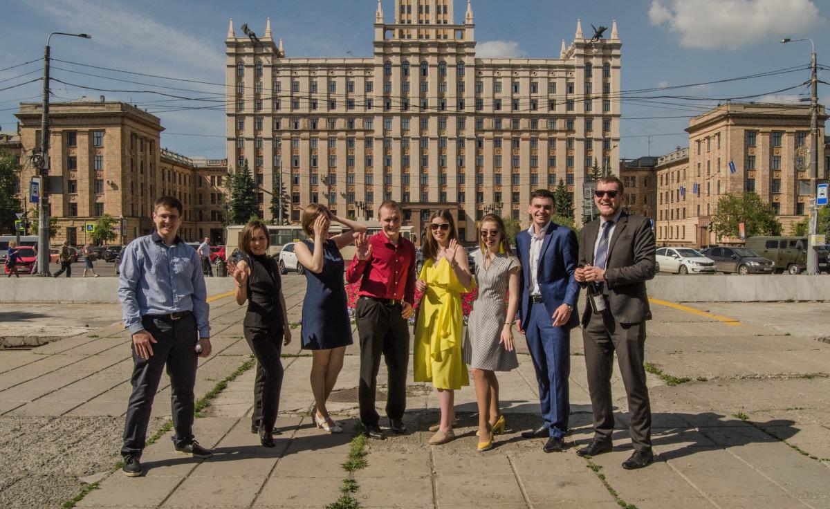 00 Студенты ЮУРГУ празднуют диплом - фотограф Челябинск_5497_01