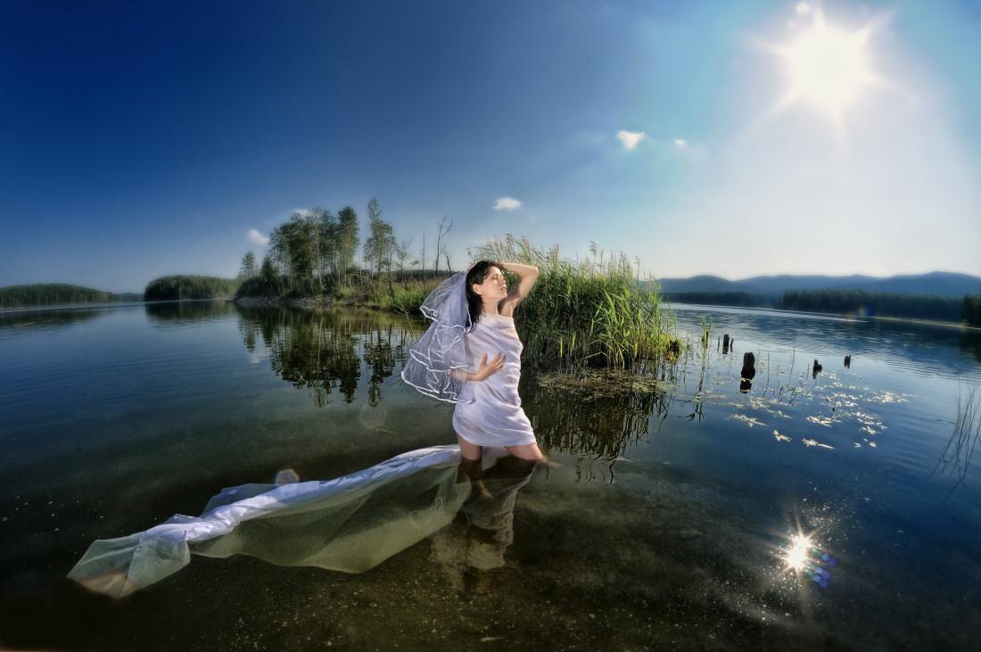 невеста духа озера фотограф Челябинск закат стробист