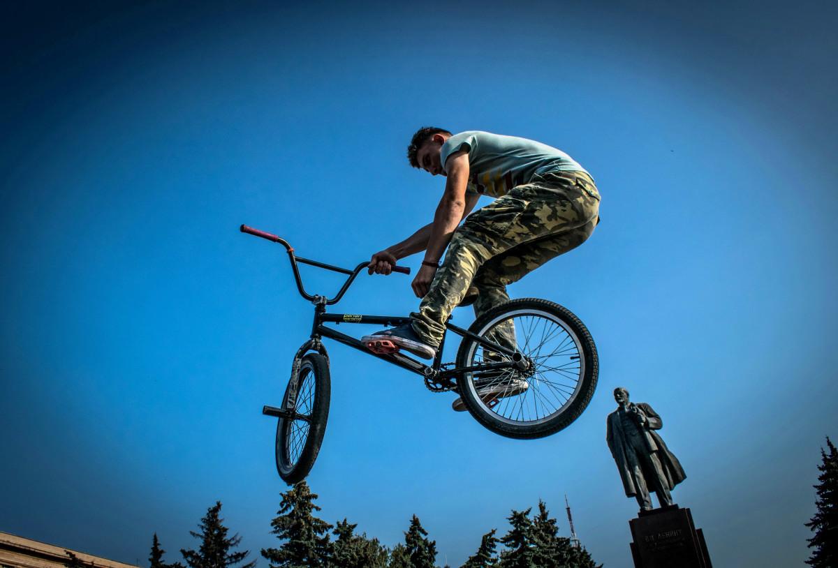 фотограф Челябинск  площадь Революции - велосипедный экстрим 9747