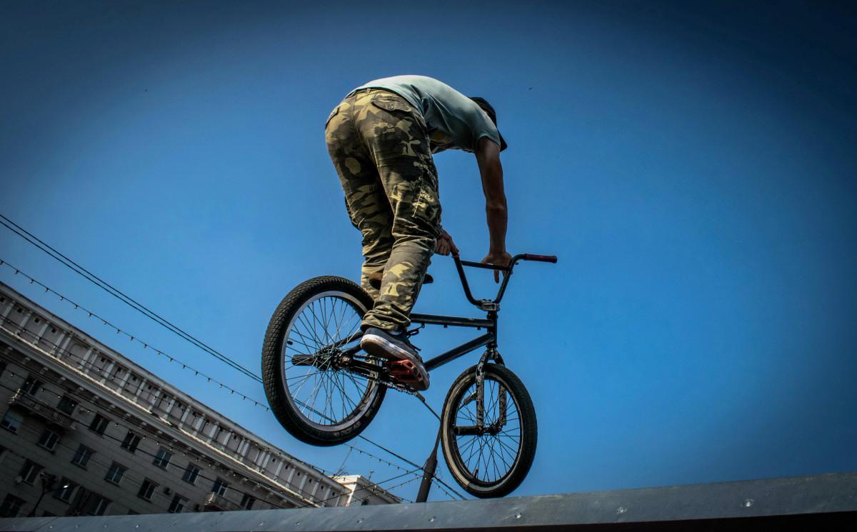 фотограф Челябинск  площадь Революции - велосипедный экстрим 9732