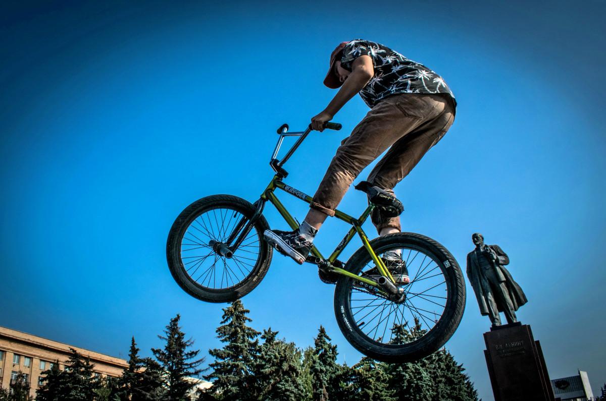 фотограф Челябинск  площадь Революции - велосипедный экстрим 9733