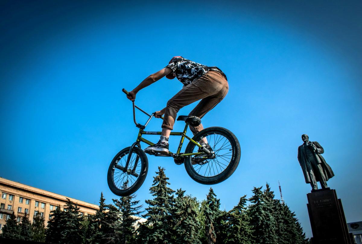 фотограф Челябинск  площадь Революции - велосипедный экстрим 9738