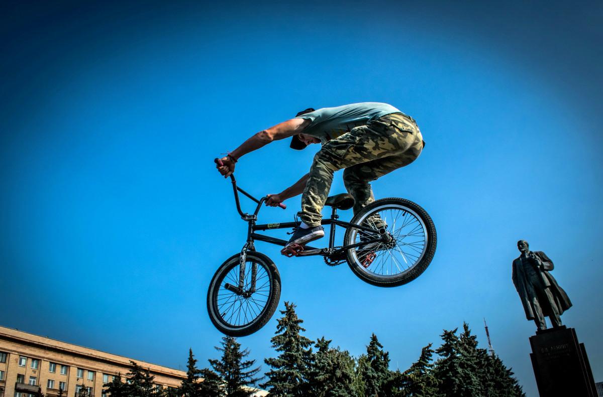 фотограф Челябинск  площадь Революции - велосипедный экстрим 9741