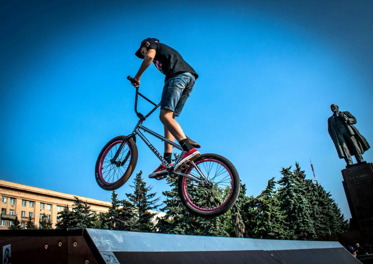 фотограф Челябинск  площадь Революции - велосипедный экстрим 9742