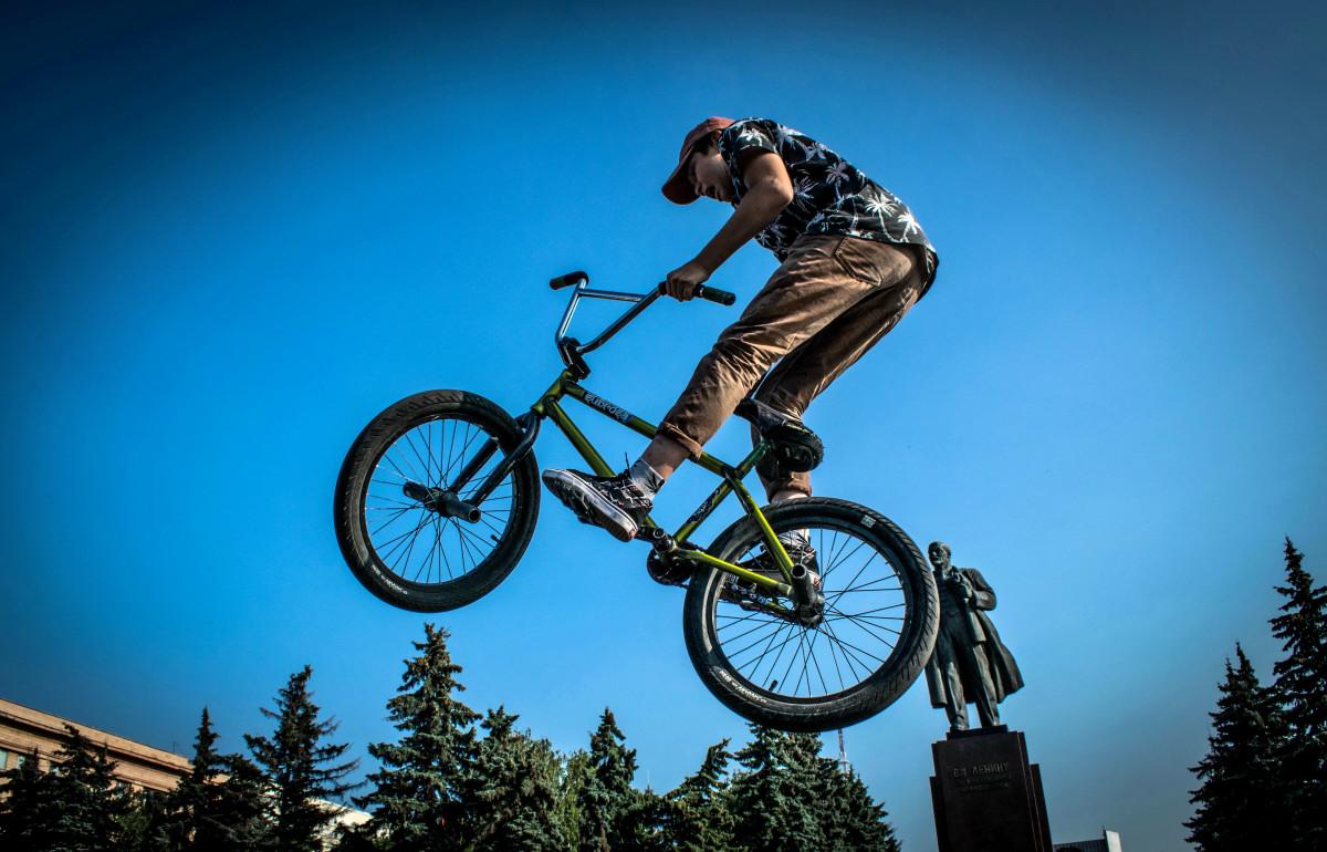 фотограф Челябинск  площадь Революции - велосипедный экстрим 9743