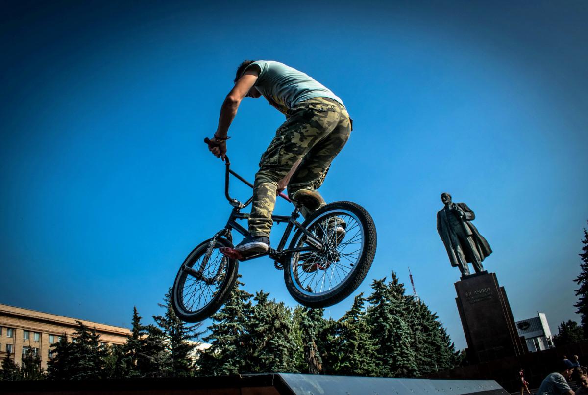фотограф Челябинск  площадь Революции - велосипедный экстрим 9744