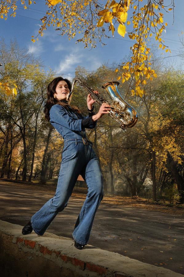осенний блюз - девушка осень саксофон